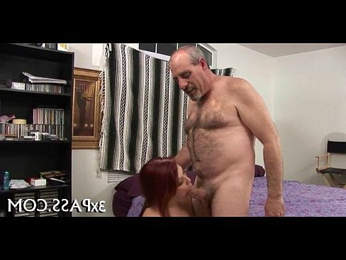 видео молодые люди занимаются анальным сексом