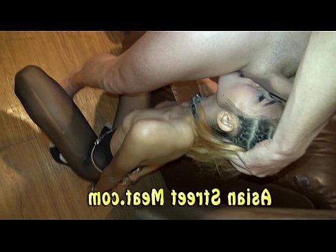 порно транс трахает мужа