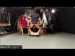 секс видео селку трахают молодой девушку